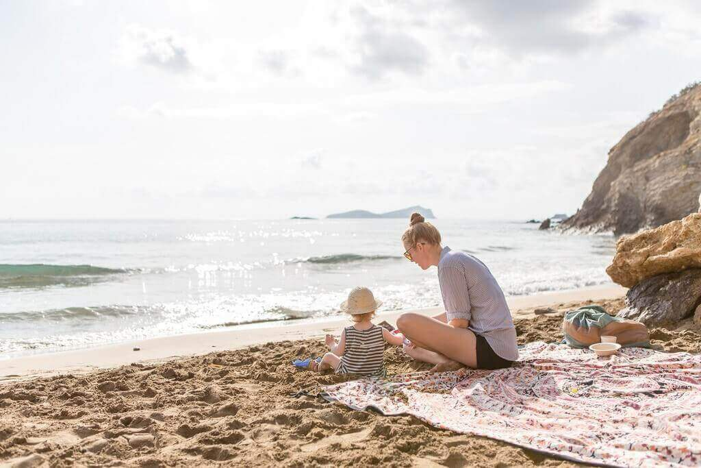 The Mamma Stories featuring Tjitske & Elou - Joey van Dongen