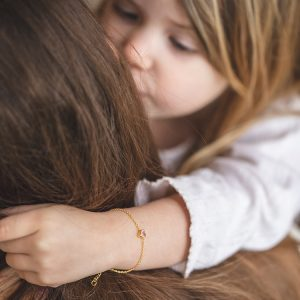 Pure Love daughte bracelet hug